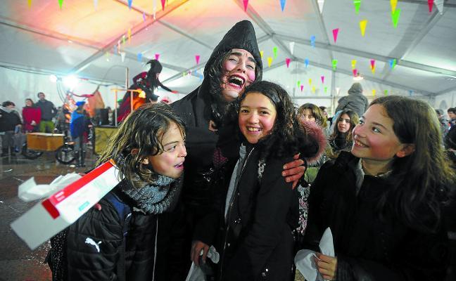 El entierro más divertido, en carnaval