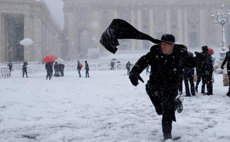 La nieve cubre Roma
