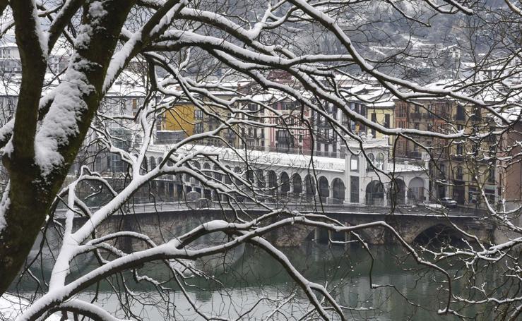 Tolosa se cubre de blanco