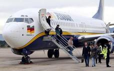 «Dos maricones no entran en mi avión»