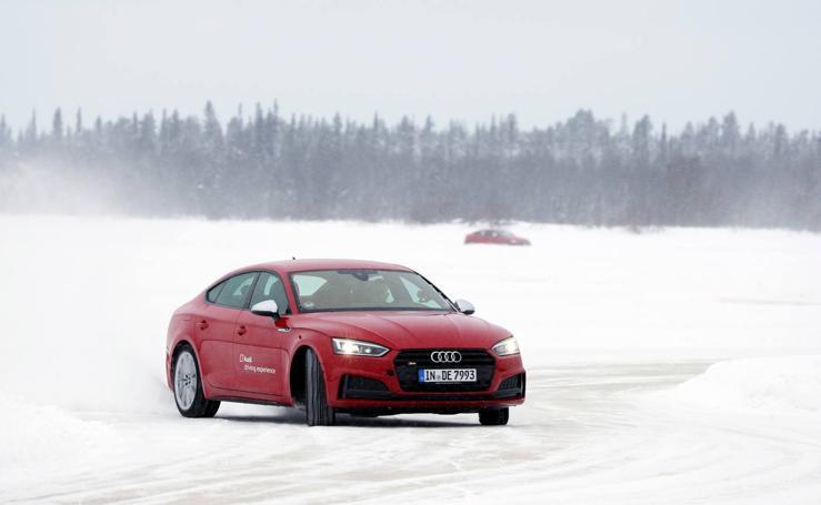 Audi nos enseña a conducir sobre nieve y hielo