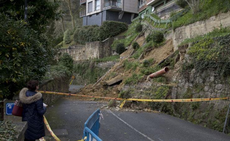 El Paseo el Faro sigue cortado