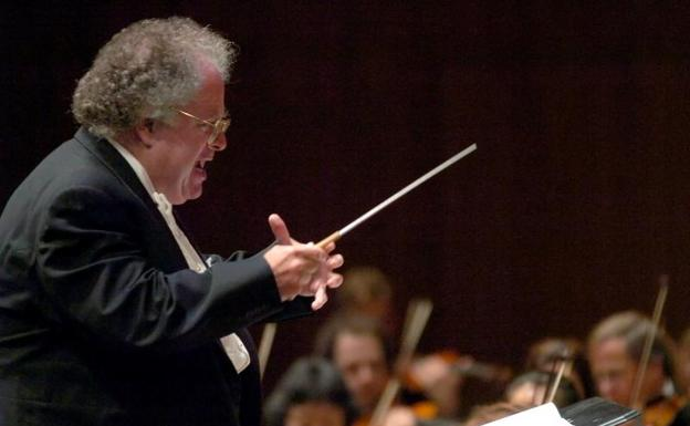 El director de orquesta y pianista James Levine.