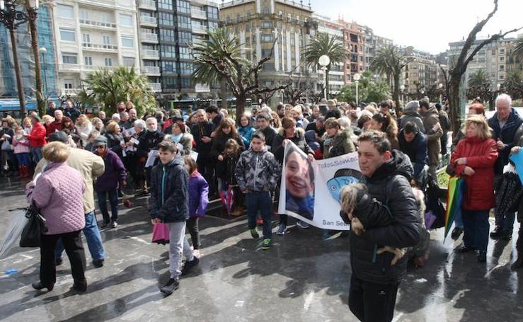 Concentraciones en Donostia e Irun para recordar al pequeño Gabriel
