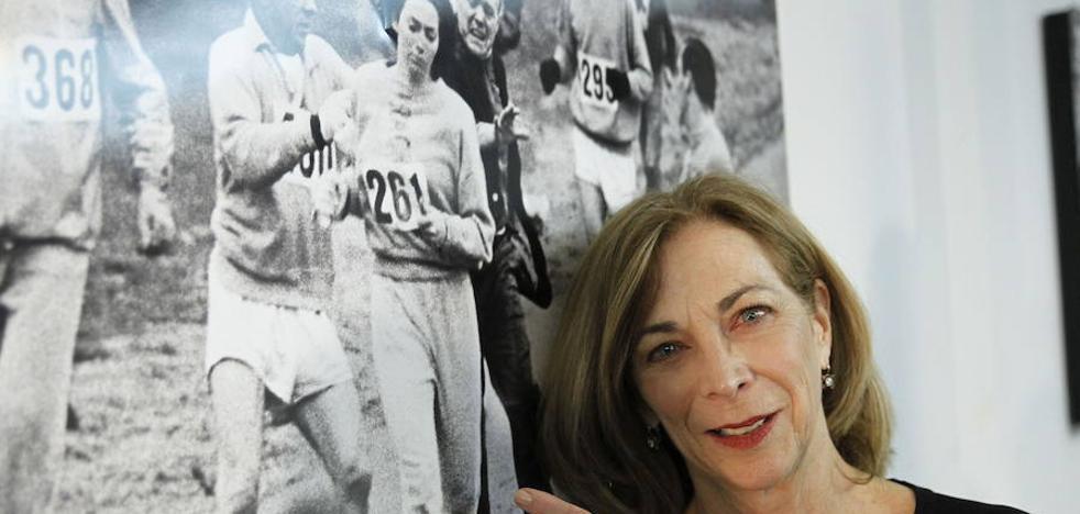 Kathrine Switzer, la primera mujer en correr con dorsal un maratón, participará en la Behobia