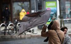 Gipuzkoa sufrirá esta semana hasta ocho avisos amarillos por lluvia, nieve y olas