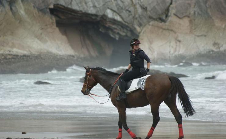 Carrera de caballos en Itzurun