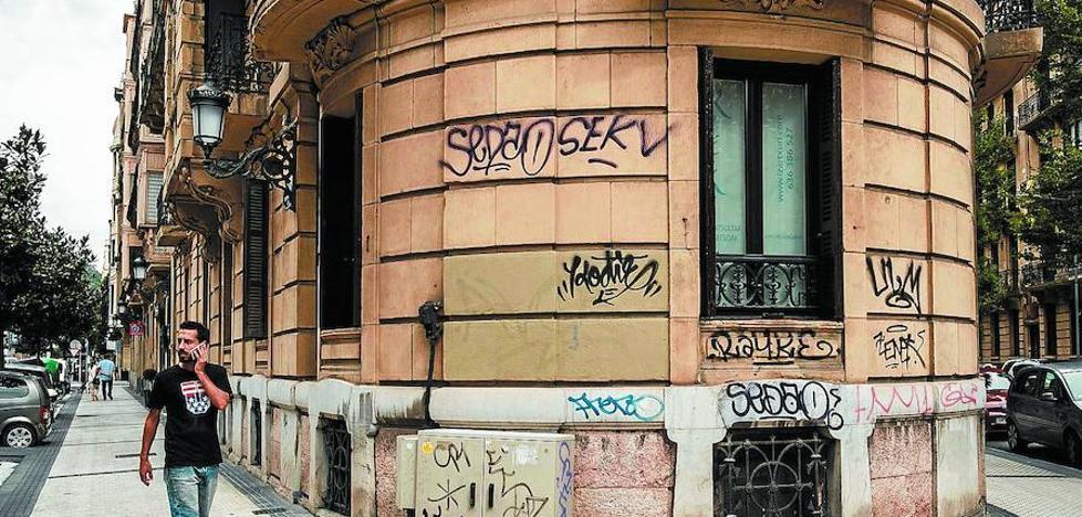 Contra la 'plaga' de grafitis y pintadas en San Sebastián