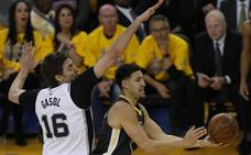 Los Warriors ganan a los Spurs y ponen la serie 2-0 a favor