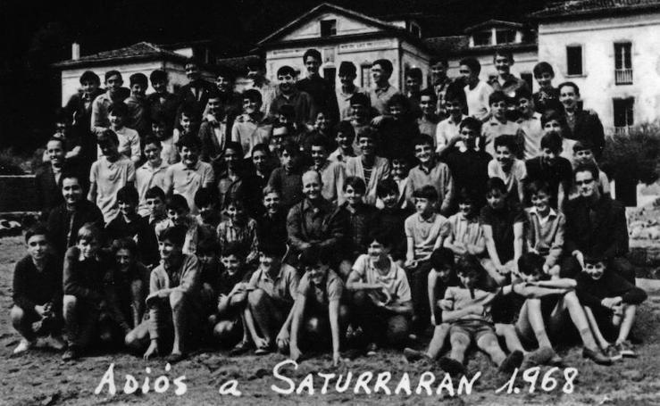 Los últimos alumnos del seminario de Saturraran