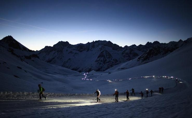 Carrera nocturna entre Suiza e Italia