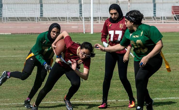 A las jóvenes egipcias les gusta el futbol americano