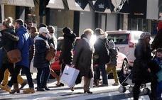 Los comerciantes donostiarras se suman a la campaña municipal por un turismo «sostenible y de calidad»