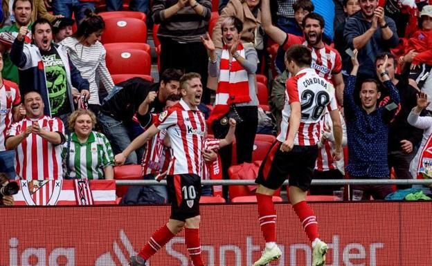 Javier Zorrilla (Efe. Muniain celebra con Córdoba el tanto que abrió el  marcador. 8320a57ee0c99