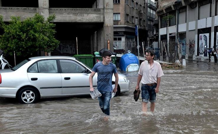 Graves inundaciones en la ciudad griega de Salónica