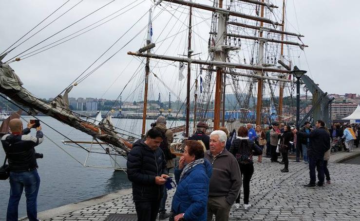 La goleta 'Kaskelot', estrella del festival marítimo de Pasaia