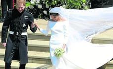 El discreto encanto de Clare y la gloria de un vestido nupcial