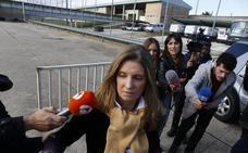 La mujer de Bárcenas sale de prisión tras pagar la fianza