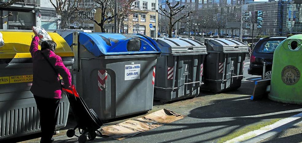 Los contenedores de resto se reducirán para incrementar un 48% los de reciclaje