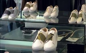 De escapar de la guerra a diseñar zapatillas de lujo