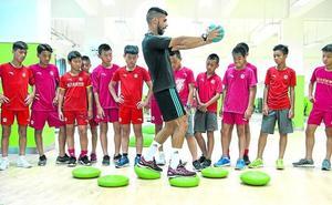 Vascos ante el monumental reto del fútbol chino