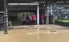 Las fuertes lluvias provocan inundaciones en Irun