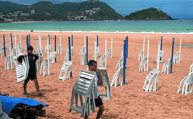 Toldos libres en dos playas a 3 días del inicio de la temporada