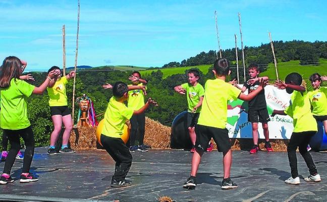 Gipuzkoako Eskola Txikien Festaren balorazio positiboa egin dute antolatzaileek