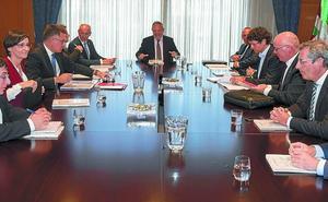 Las instituciones vascas ultiman las bases para abordar un nuevo reparto de los ingresos