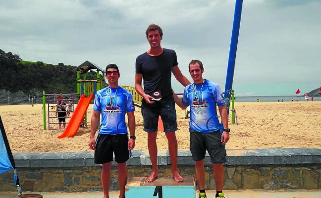 Lander Rodríguez y Aritz Araneta se subieron al podio en Plentzia