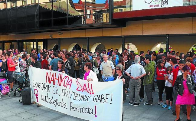 Donostia y Lasarte-Oria muestran su rechazo por las agresiones sexistas