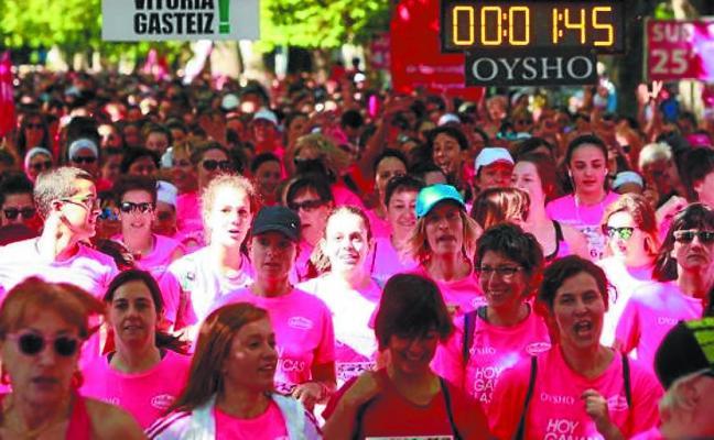 Vitoria se vistió de rosa para vivir otra edición de la Carrera de la Mujer