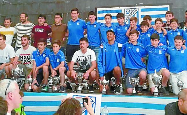 El club vagonero celebró el final de temporada