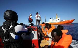 Urkullu ofrece acoger en Euskadi a 60 inmigrantes del 'Aquarius'