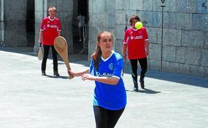 Los torneos masculino y femenino de pala afrontan la disputa de los cuartos de final