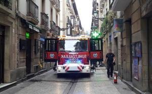 Tres evacuados al hospital tras un incendio en la Parte Vieja donostiarra