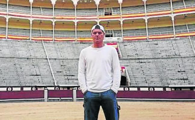 Frank Cuesta va a los toros con DMAX