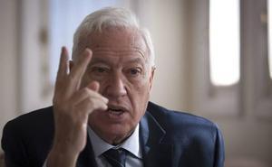 Margallo recoge avales para presentarse a la Presidencia del PP