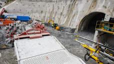 La rozadora ya excava en el túnel del metro