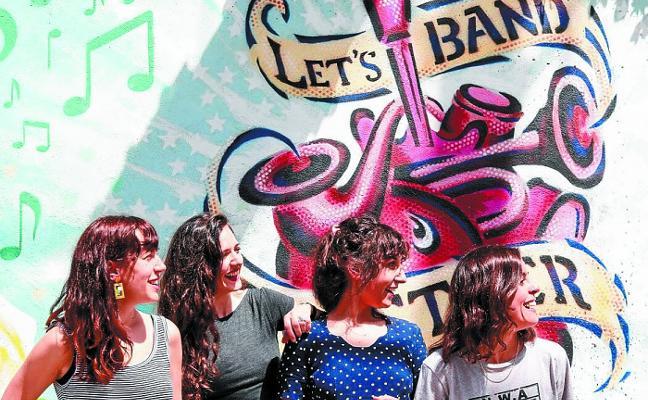 «Juntarse en un bar ayuda a montar grupos de música»