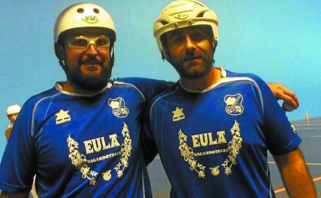 Julen Loitegi y Oier Gurutzealde jugarán la final del Campeonato Estatal de trinkete