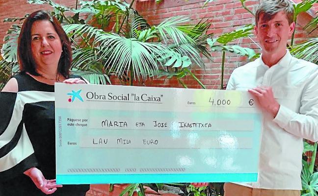 Maria eta Jose Ikastetxea recibe 4.000 euros de la Obra Social La Caixa