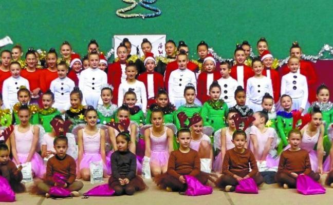 La sección de gimnasia rítmica celebra el fin de curso