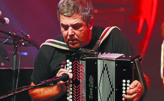 Actuaciones musicales, salidas y payasos para el Puntaik Punta