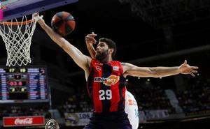 El Baskonia confía en repetir victoria en Madrid y poner la final de cara