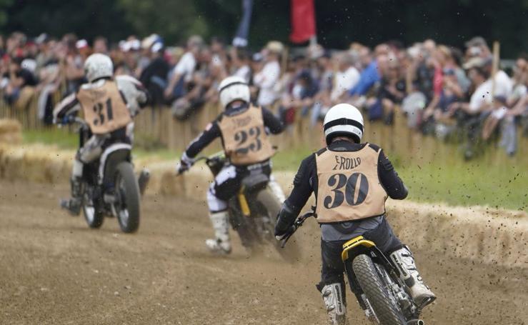 Carreras de motos en el Hipódromo