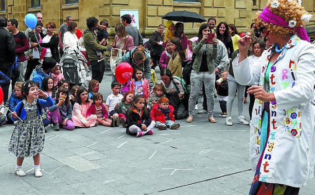 Fiesta en solidaridad con Apanogi