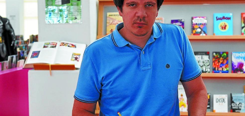Diego Corbalán: «En Murcía, sí, se venden fanzines en el parque que se llama como el payaso, Fofó»