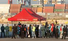 Los inmigrantes del 'Aquarius' tendrán mes y medio de permiso de residencia extraordinaria en España