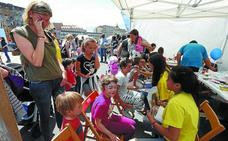 Hirukide reune a miles de familias en Donostia